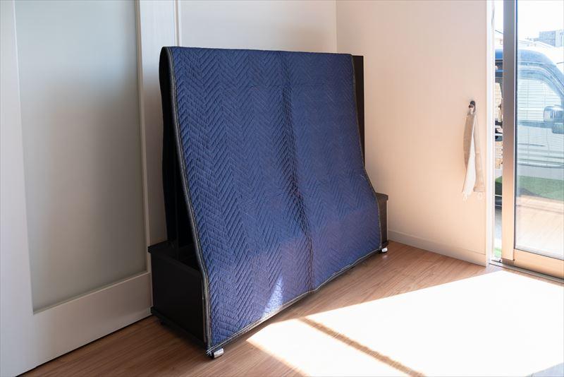 エアピカのエアコンクリーニングはここが違う 専用の衝撃対策布団やビニールを使用